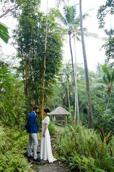 Bridal couple in the Ubud, Bali bamboo forest